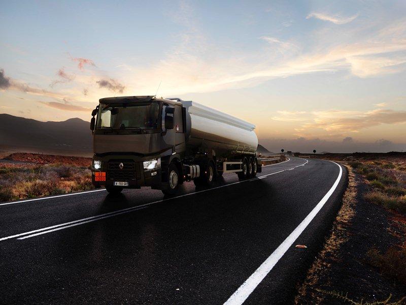 Renault_Trucks_T_Cisterna (1)