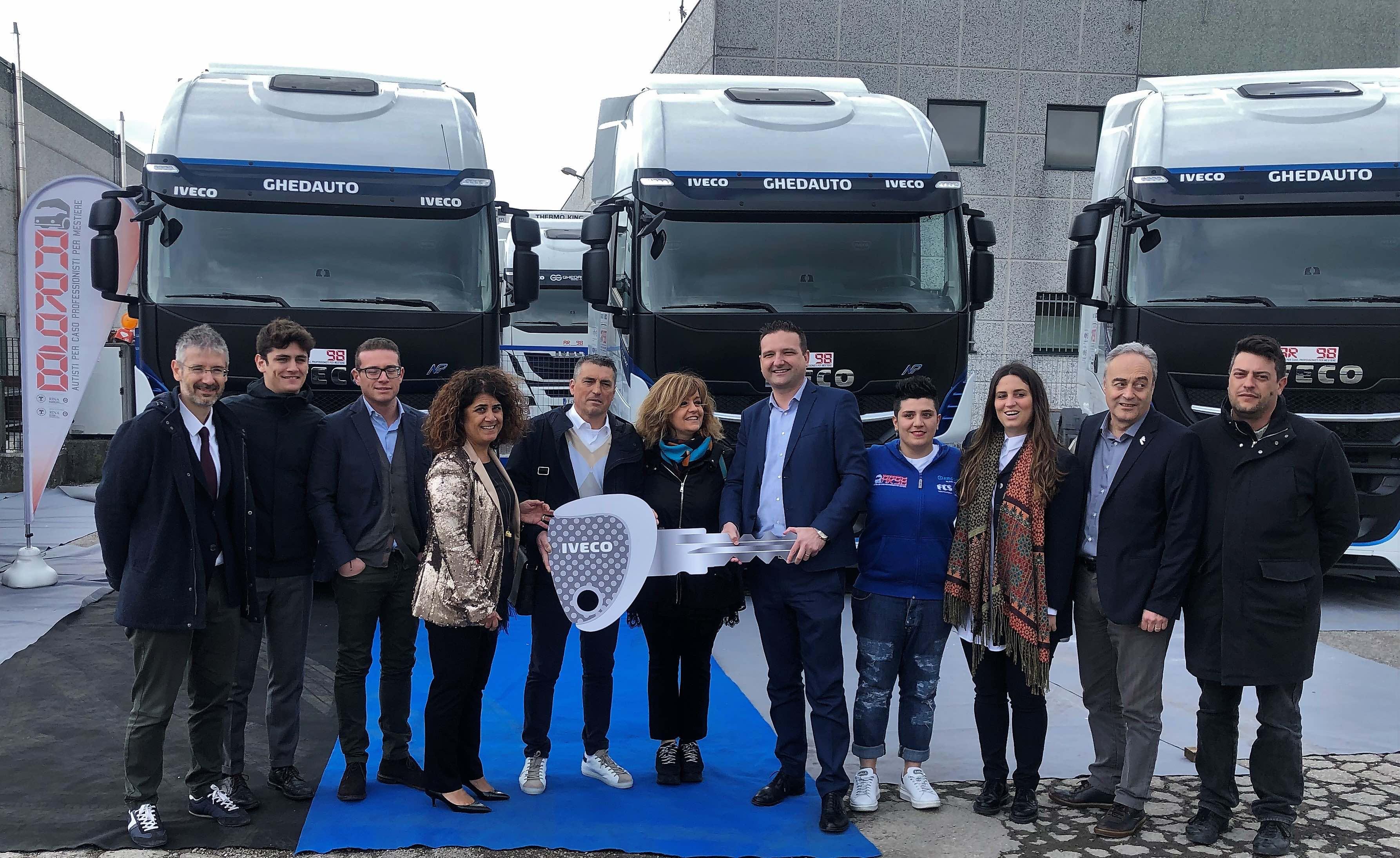 Iveco consegna 6 nuovi Stralis NP 460 alla romagnola Autotrasporti Rattini Angelo