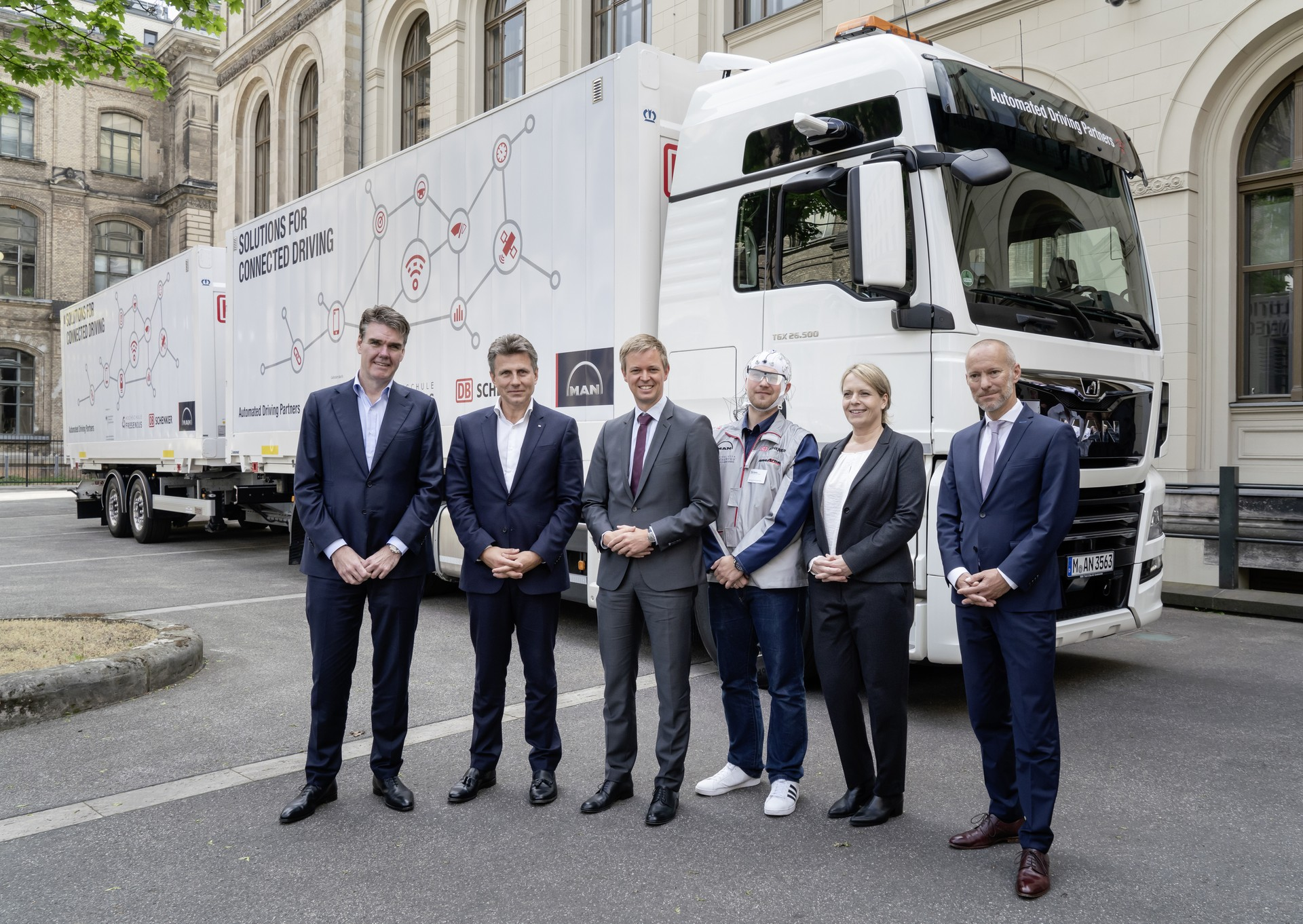 Platooning - Il progetto pilota condotto da DB Schenker, MAN Truck & Bus e Fresenius University of Applied Sciences