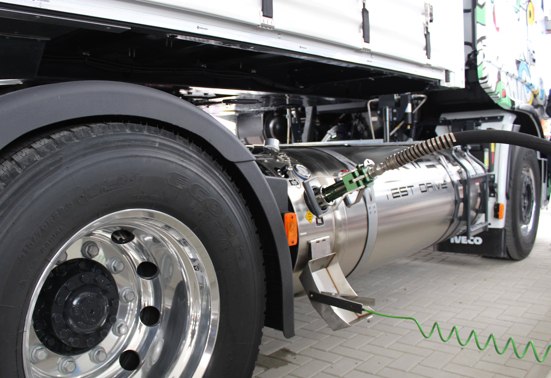 Rifornimento gas naturale liquefatto