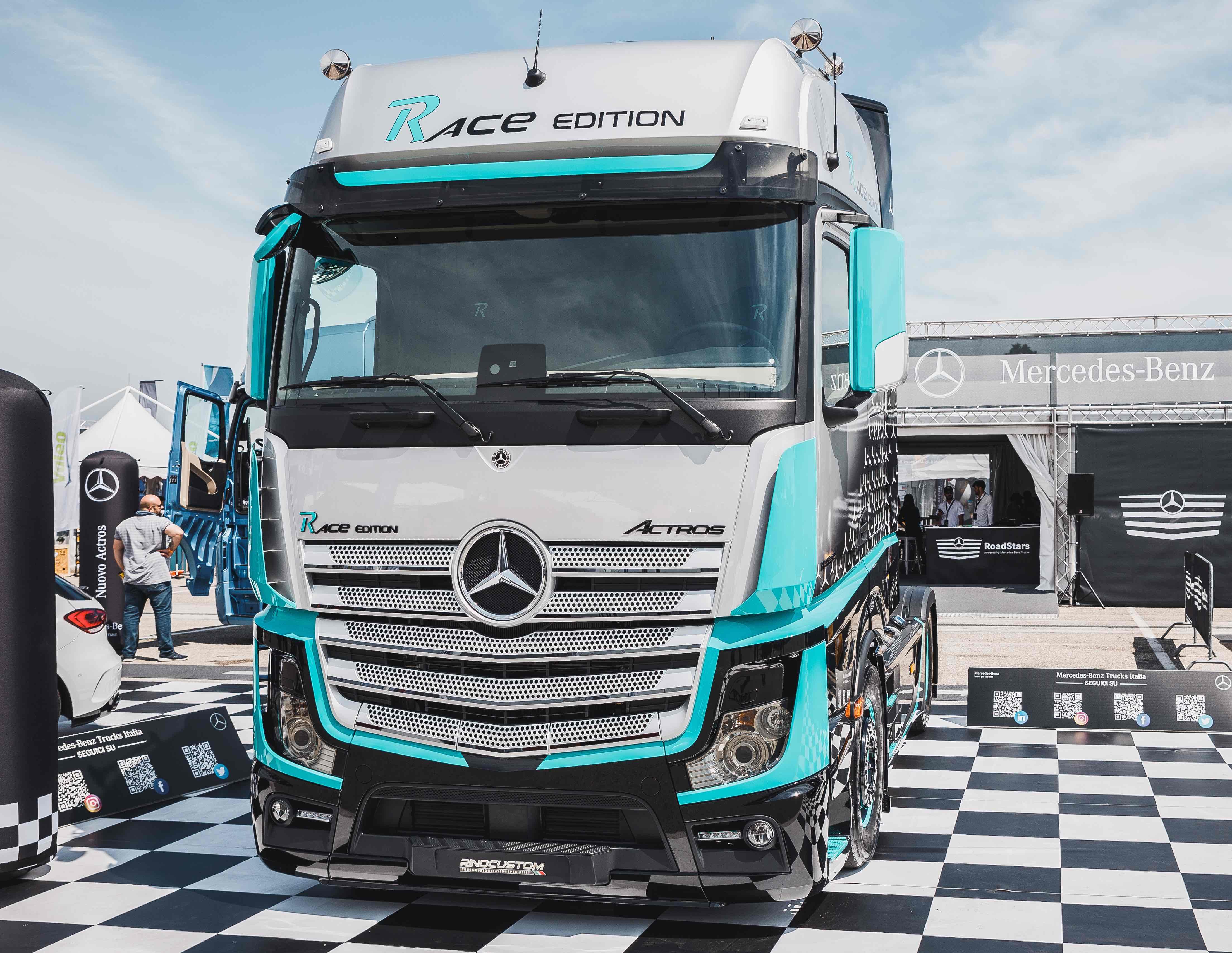 Mercedes-Benz Trucks Italia presenta Actros Race Edition