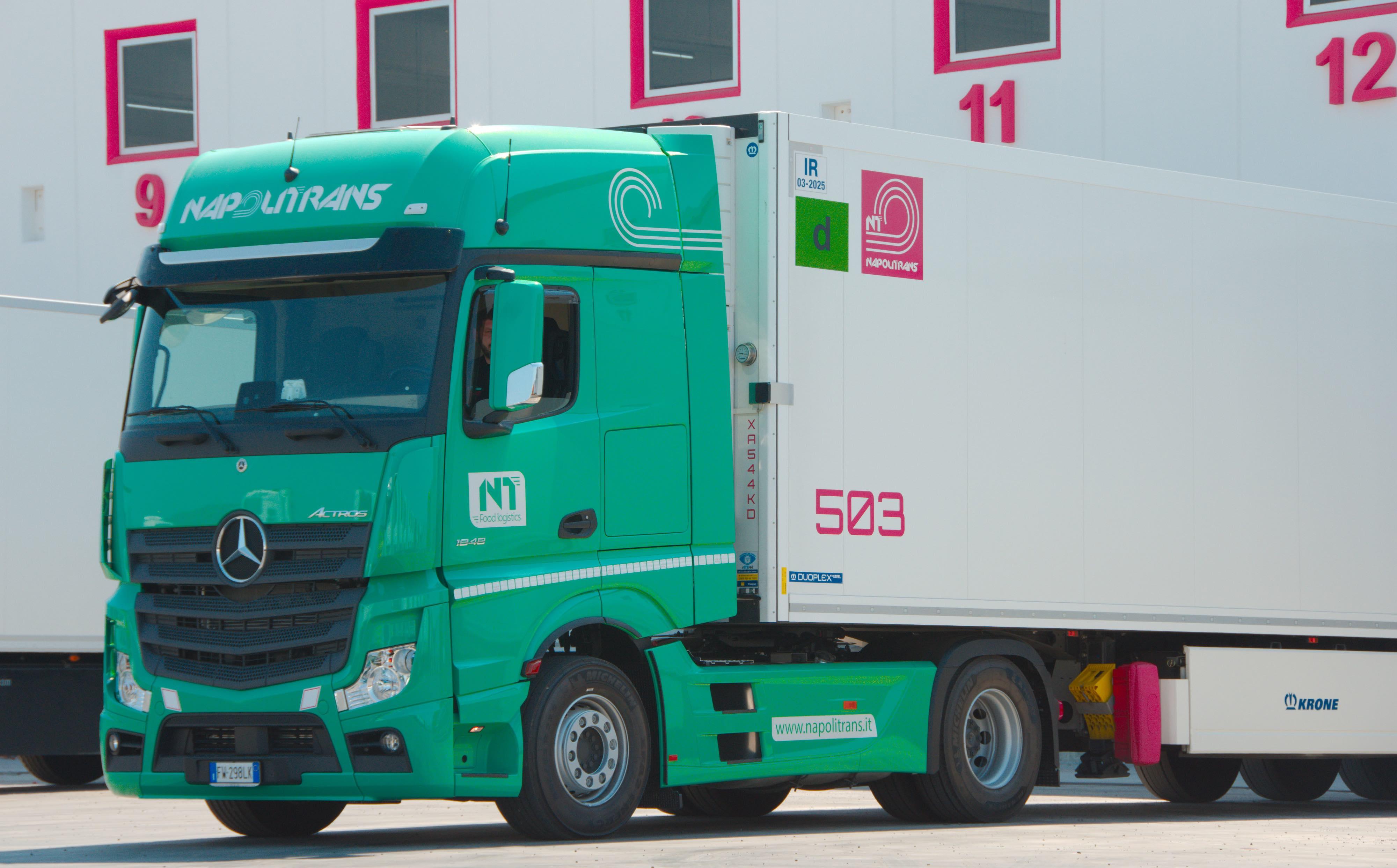 Mercedes-Benz Trucks Italia: 50 nuovi Actros a NapoliTrans