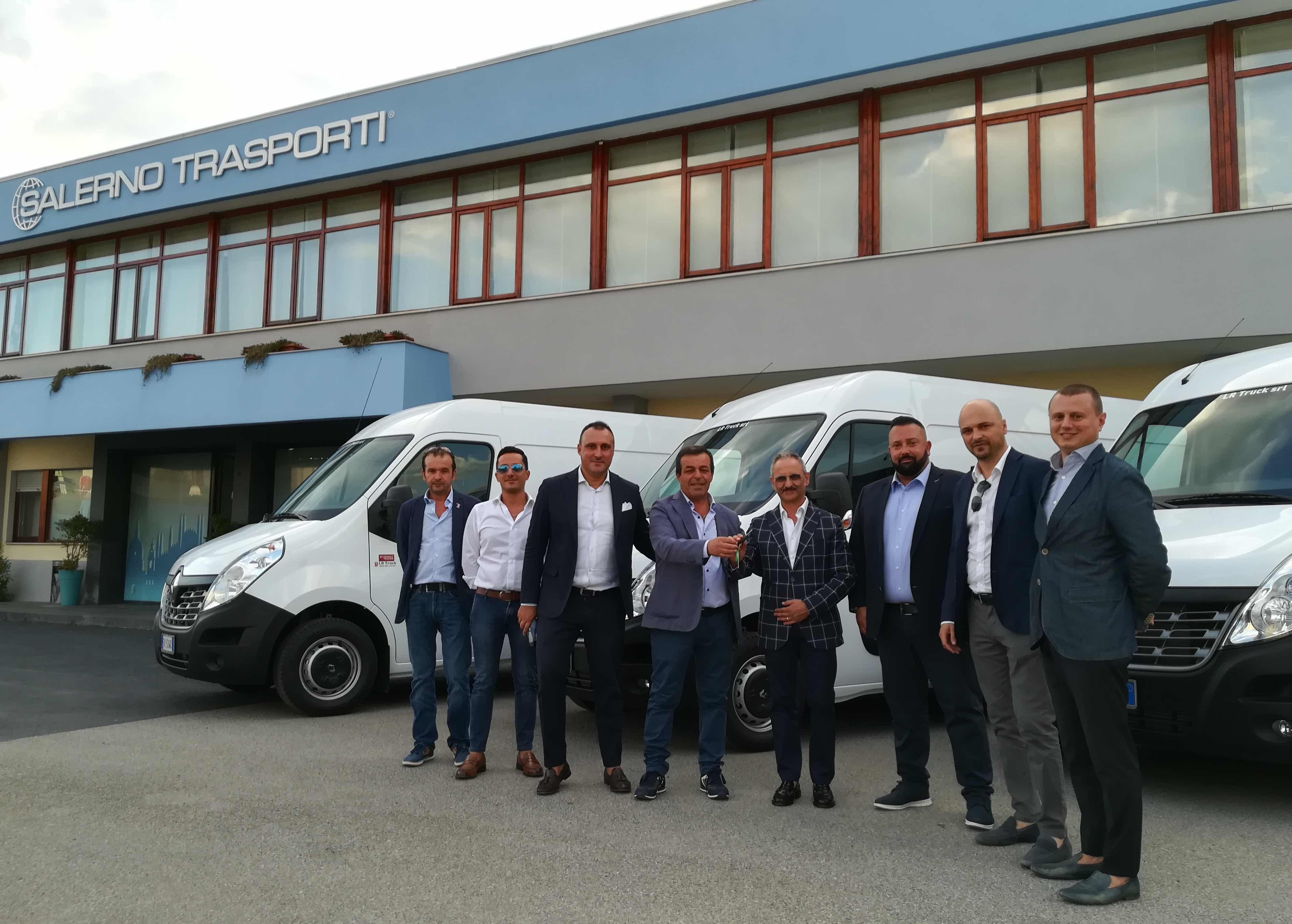 Renault Trucks, consegnati 7 nuovi Master alla Salerno Trasporti