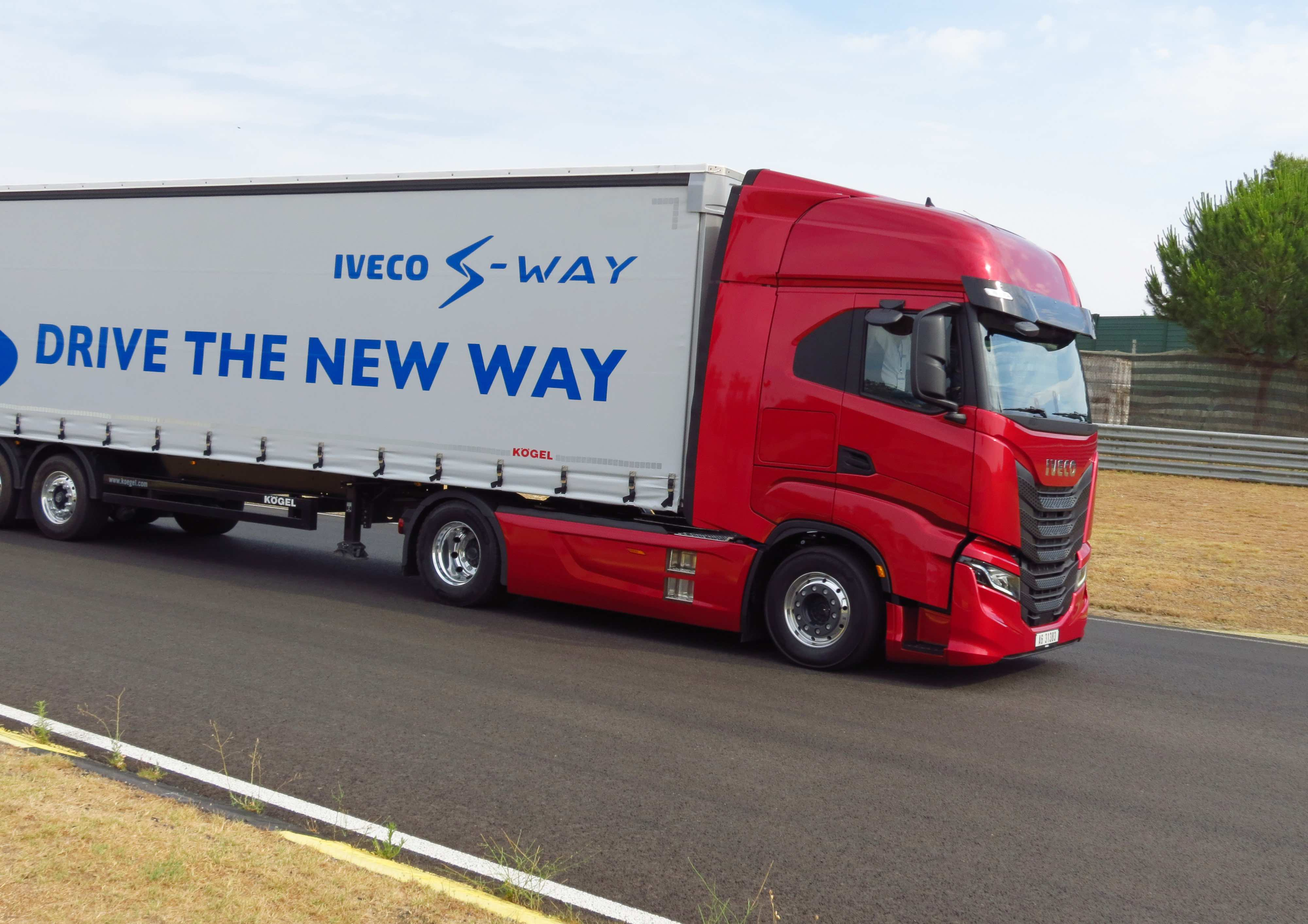 Iveco S-WAY AS 440 S 48