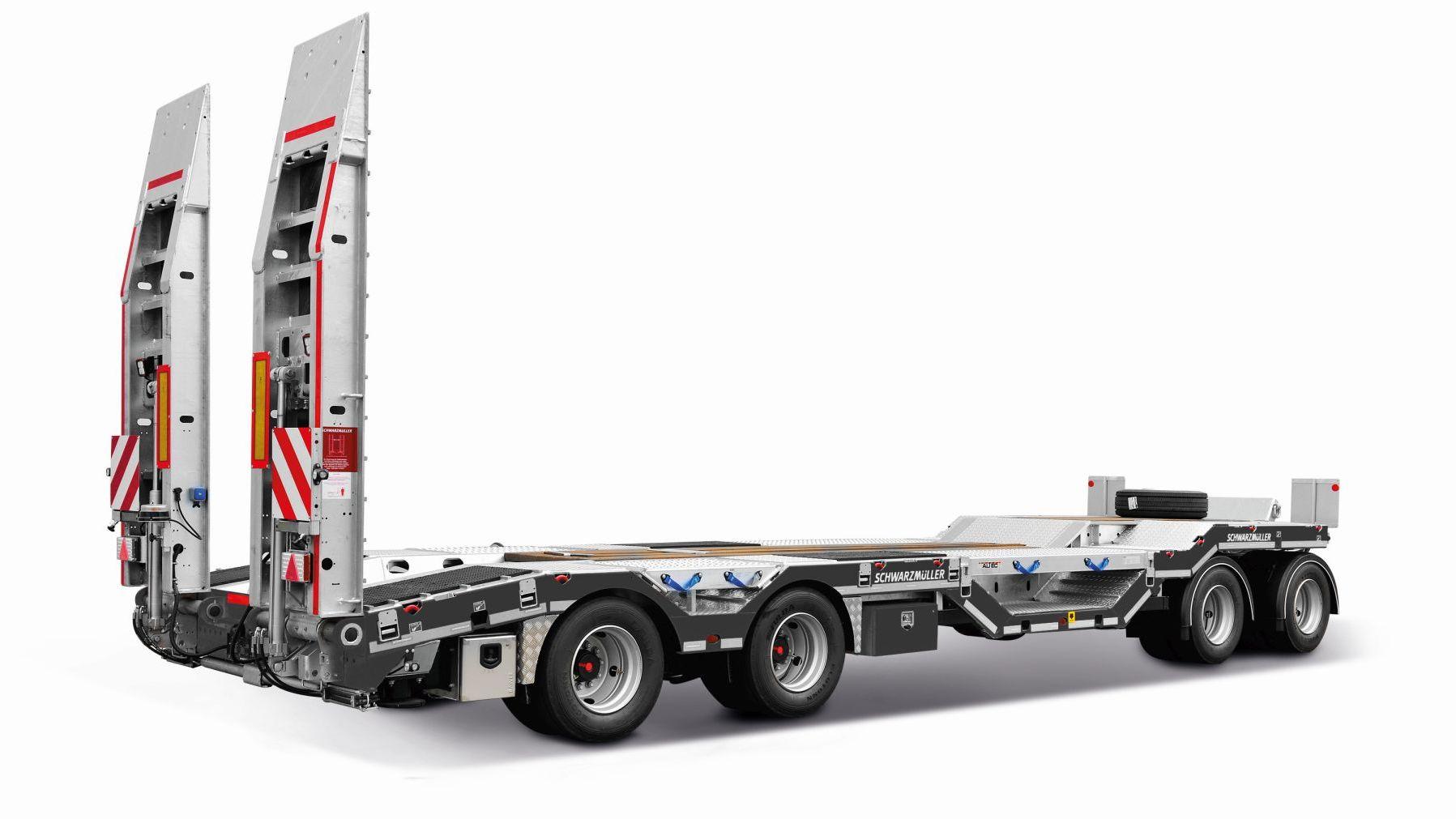 Il trasporto di macchine movimento terra vede il costruttore austriaco presente con una gamma di soluzioni versatili e polivalenti